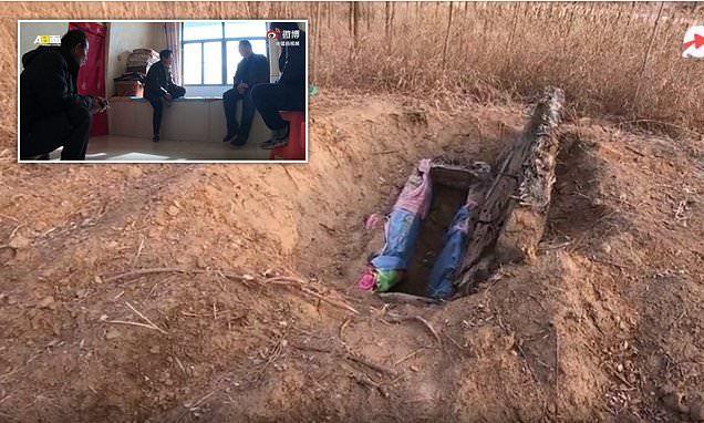 Trung Quốc: Cha mẹ đào mộ con gái và câu chuyện 'đáng sợ' phía sau