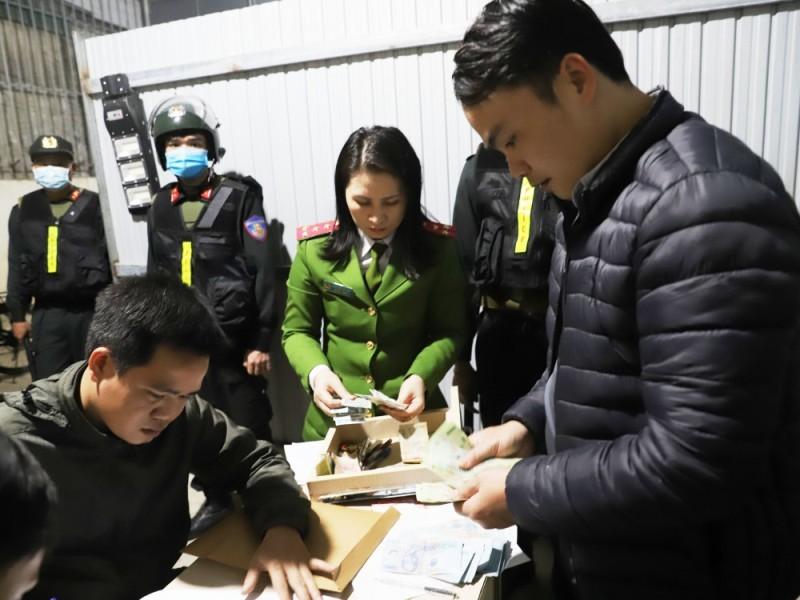 Hà Tĩnh: Bắt giữ 25 đối tượng trong đường dây đánh bạc liên tỉnh