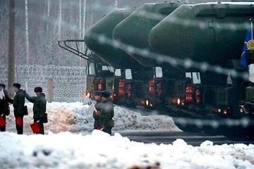 Ba trung đoàn tên lửa Nga đặt trong tình trạng báo động vào cuối năm