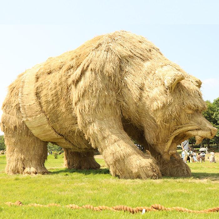 Kinh ngạc loạt quái vật rơm khổng lồ trên cánh đồng Nhật Bản