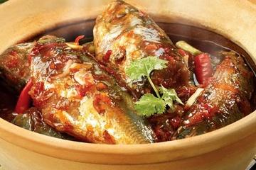 Cá nục sốt tỏi ớt: Món ngon tốn cơm ngày Đông