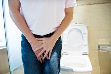 15 phút lại vào toilet, người đàn ông không dám lấy vợ