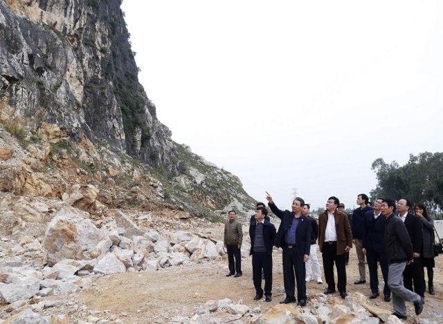mỏ đá,Công ty Thanh Hưng,Thanh Hóa,khai thác,cầu cứu,môi trường,nguồn nước,sinh hoạt,nổ mìn,bụi mù mịt