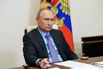 Cậu bé Kyrgyzstan xin ông Putin được làm cổ đông của Gazprom