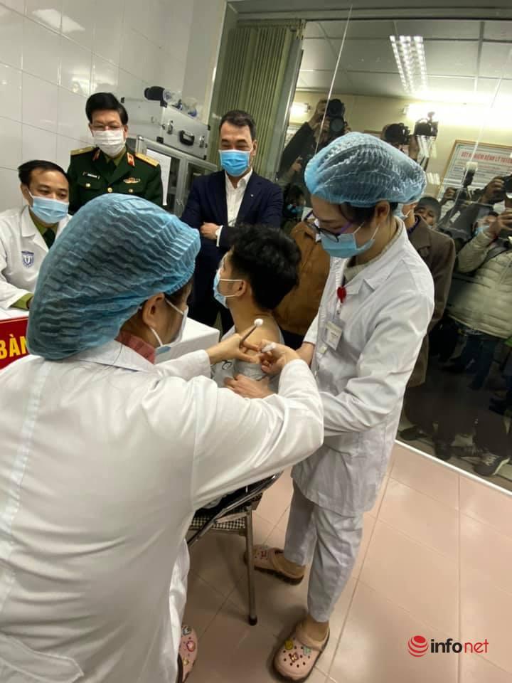 Chính thức tiêm thử nghiệm lâm sàng vắc xin Covid -19 của Việt Nam