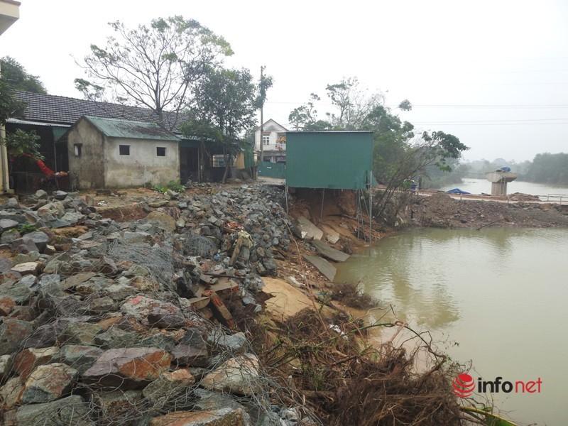 Hà Tĩnh: Khẩn trương gia cố sạt lở bờ sông Ngàn Mọ