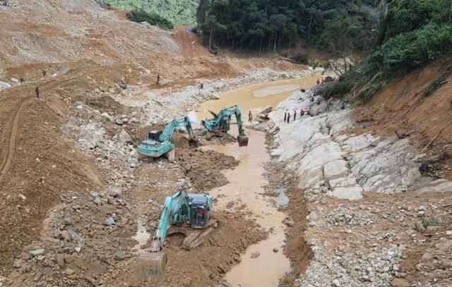 Triển khai giai đoạn 4 tìm kiếm 11 công nhân còn mất tích ở Thủy điện Rào Trăng 3