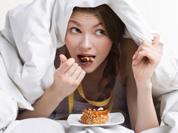 Trời lạnh lười vận động lại ăn nhiều: Làm sao để không tăng cân?