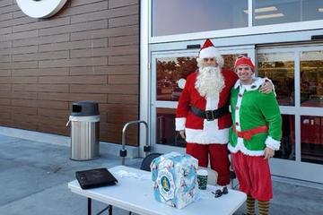 Cảnh sát cải trang làm ông già Noel để bắt cướp ở siêu thị