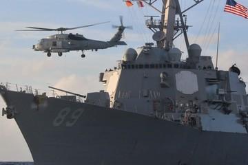 Không quân và hải quân Trung Quốc bám đuôi tàu chiến Mỹ