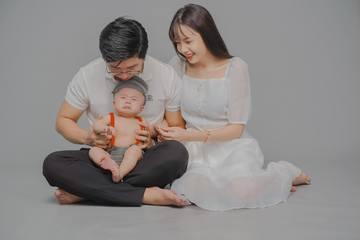 """Bộ ảnh """"em bé mếu cả thế giới"""" khiến ai xem cũng phải bật cười"""