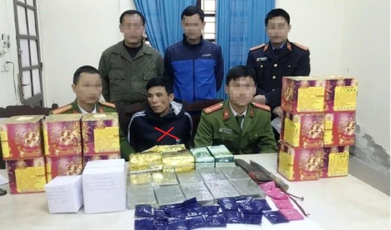 """Bắt 2 đối tượng, thu giữ số ma túy """"khủng"""" ở biên giới Nghệ An"""