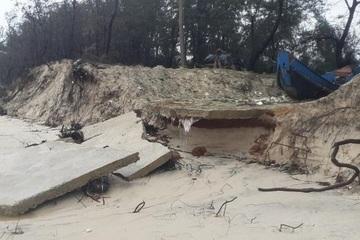 Quảng Bình: Bờ biển Ngư Thủy sạt lở, nhiều đoạn hư hỏng nặng sau bão dồn dập