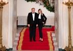 Vợ chồng ông Trump diện đồ đôi trong lễ hội cuối cùng tại Nhà Trắng