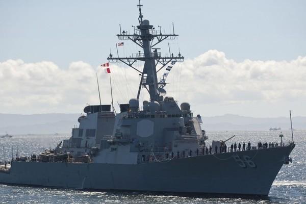 Tàu chiến và máy bay TQ 'chạm trán' chiến hạm Mỹ lần thứ 2 trong 3 ngày