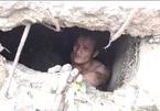 Giải cứu người đàn ông rơi xuống cống 7 ngày mới được phát hiện