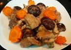 Vào bếp trổ tài với món gà om nấm đảm bảo hết bay nồi cơm mùa lạnh