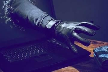 Chơi với hacker, người phụ nữ 'tiền mất tật mang'
