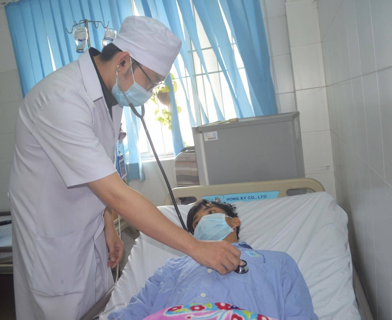 Cứu bệnh nhân trước, viện phí tính sau: Chàng trai 23 tuổi 'thập tử nhất sinh' được hồi sinh