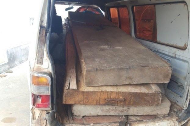 Đắk Lắk: Bắt giữ Chủ tịch xã để điều tra hành vi tẩu tán, biếu xén gỗ lậu