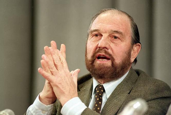 Sự nghiệp lẫy lừng của huyền thoại tình báo Liên Xô khiến Putin rơi nước mắt