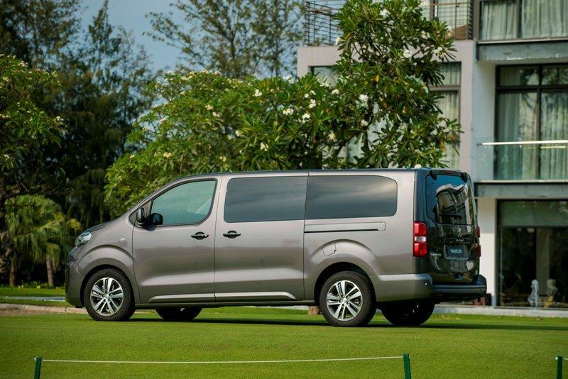 Peugeot tạo 'cú hích' cuối năm, giao xe trước thềm năm mới