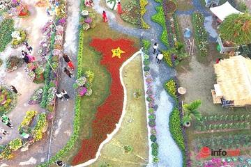 Bản đồ Việt Nam kết bằng hoa tươi rực rỡ ở làng hoa Xuân Quan