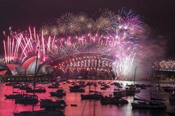 Màn pháo hoa của New Zealand và Australia chào đón năm mới 2021
