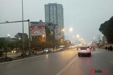 Hà Nội mưa nhỏ, sương mù, nhiều điểm ô nhiễm không khí ngưỡng nguy hại