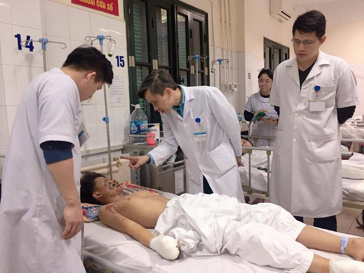 Thiếu niên 15 tuổi bị thương tích nặng do pháo tự chế phát nổ