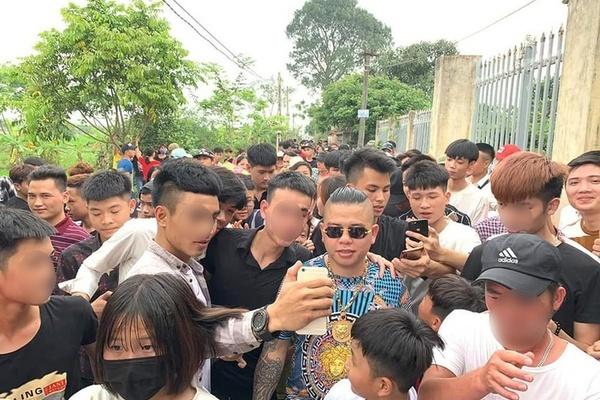 Tạm giữ 1 nghi phạm vụ nổ súng vào xe ô tô của Dương Minh Tuyền ở Hải Dương