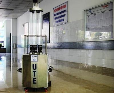 Giảng viên Trường ĐH Sư phạm kỹ thuật chế tạo thành công robot diệt khuẩn bằng tia UV