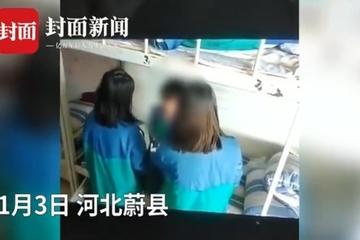 Hiệu trưởng bị cách chức vì 3 nữ sinh đánh bạn cùng trường