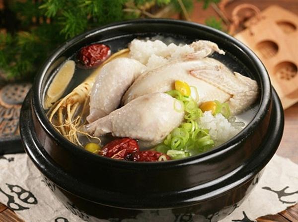 Hai cách hầm gà bồi bổ sức khỏe gia đình ngày đông giá rét