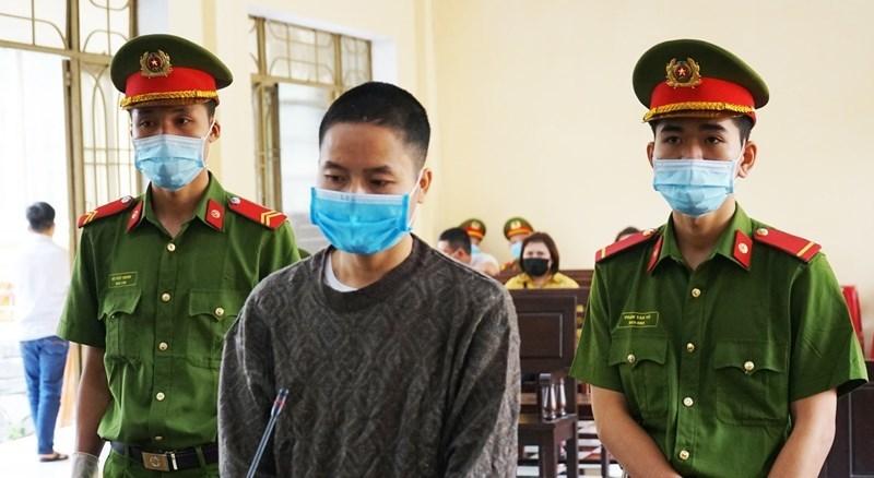 Tuyên án 2 năm tù phu vàng bãi Phước Sơn đâm chết người