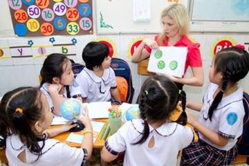 """Chương trình giáo dục mới từ 2022: """"Sức ép"""" tuyển giáo viên ngoại ngữ, tin học ở đâu"""