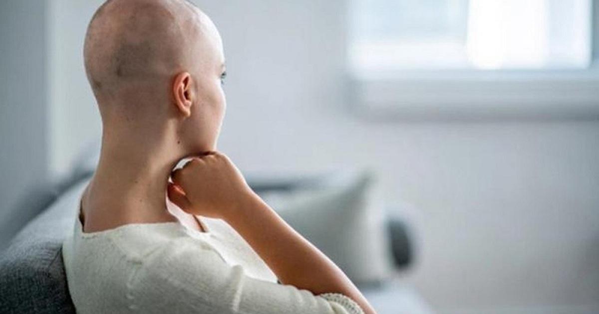 Rụng tóc ở người mắc ung thư và cách ứng phó hiệu quả
