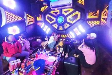 Quảng Nam: Một tối phát hiện 2 quán karaoke cùng huyện cho khách dùng ma túy
