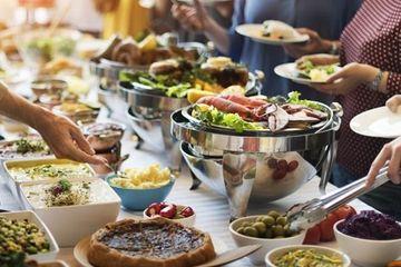 Chuyên gia chỉ 'bí kíp' ăn tiệc liên miên mà không lo béo