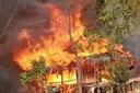 'Bà hỏa' thiêu rụi nhà sàn và tài sản của hộ nghèo ở Yên Bái
