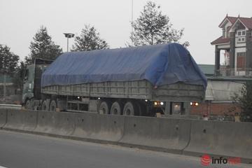 Hà Tĩnh: Xe chở cát quá khổ hoành hành, phóng bạt mạng trên quốc lộ