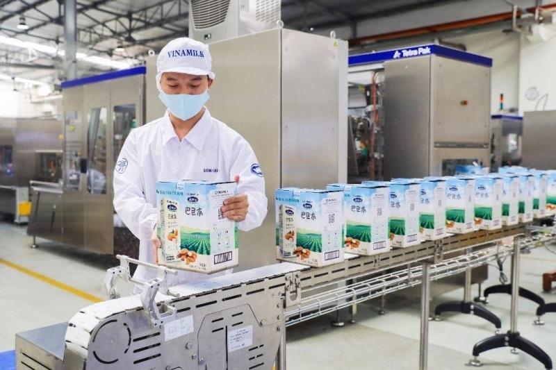 Tin vui đầu năm mới của ngành sữa: Vinamilk xuất lô hàng lớn đi Trung Quốc