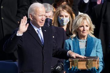 Khoảnh khắc tân Tổng thống Mỹ Joe Biden nhậm chức