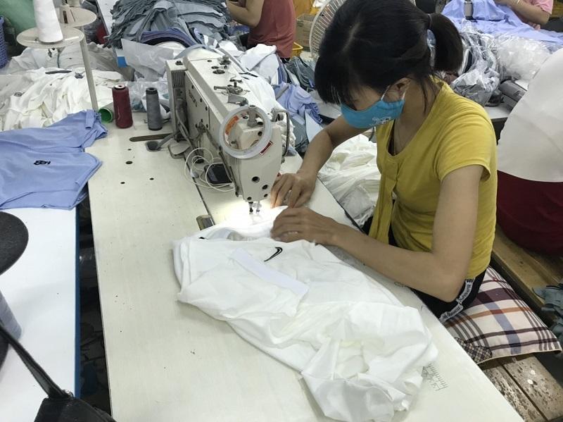 Phạt 500 triệu đồng 1 doanh nghiệp sản xuất hàng nghìn áo phông giả Nike, Gucci, Lascote... ở Hải Dương