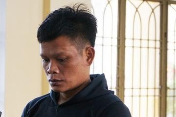 """Quảng Nam: Giận """"chồng"""", chém vợ hàng xóm, gã đàn ông lĩnh 12 năm tù"""