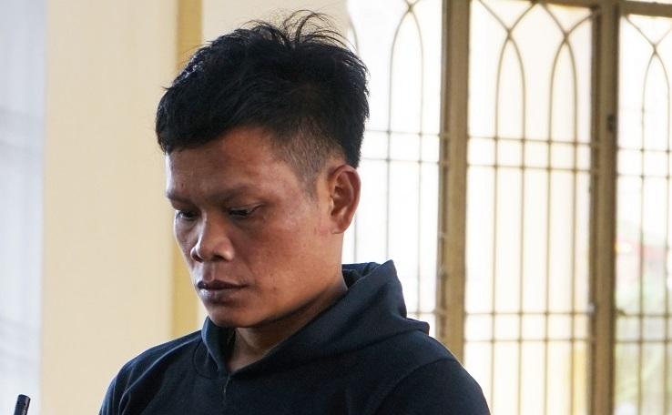 Quảng Nam: Giận 'chồng', chém vợ hàng xóm, gã đàn ông lĩnh 12 năm tù