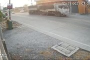 Hoảng hồn xe tải đang chạy, 2 lốp xe bỗng văng ra đường