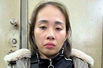 Bắt nữ đạo chích móc trộm điện thoại trên phố đi bộ Hà Nội