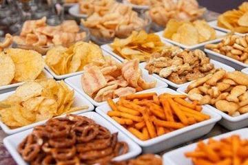 Đồ ăn nhanh thiếu an toàn, giới trẻ vẫn chuộng vì ngon miệng