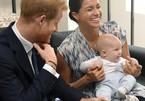 """Hé lộ cuộc sống không giống """"ngậm thìa vàng"""" của con trai Hoàng tử Harry"""
